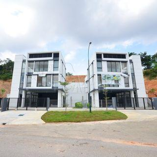 CHEAP TWIN BUNGLOW WITH PRIVATE POOL IN SHAH ALAM FOR SALE!