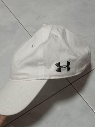 🚚 Under armour white cap