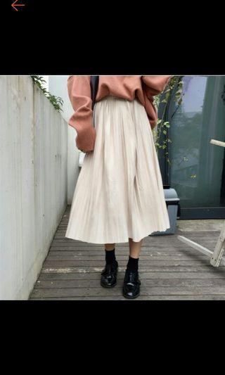 白色百折長裙