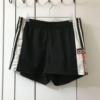 🚚 Adidas original 側開釦運動短褲