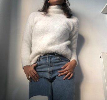 🏁fuzzy turtleneck sweater