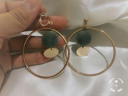 韓國🇰🇷夾式耳環 兩副100