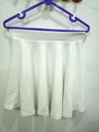White Skirt Rok Putih Bershka
