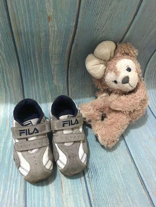 FILA兒童球鞋