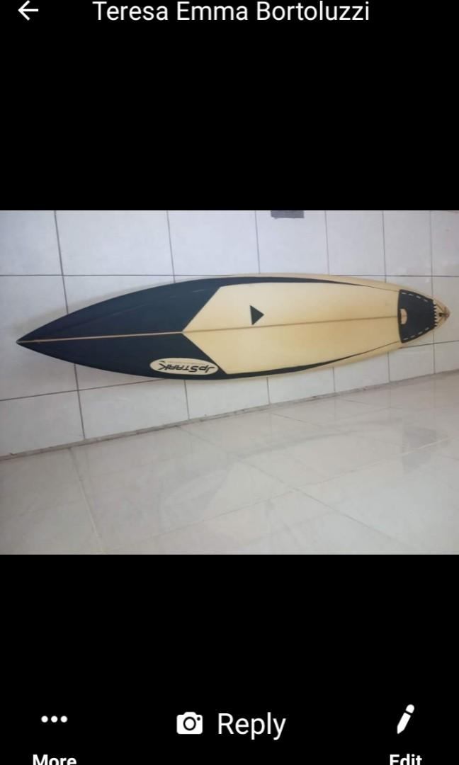 Big Surfboard Perfect conditions just few Pressure marks on the top Bottom very Clean!!!!