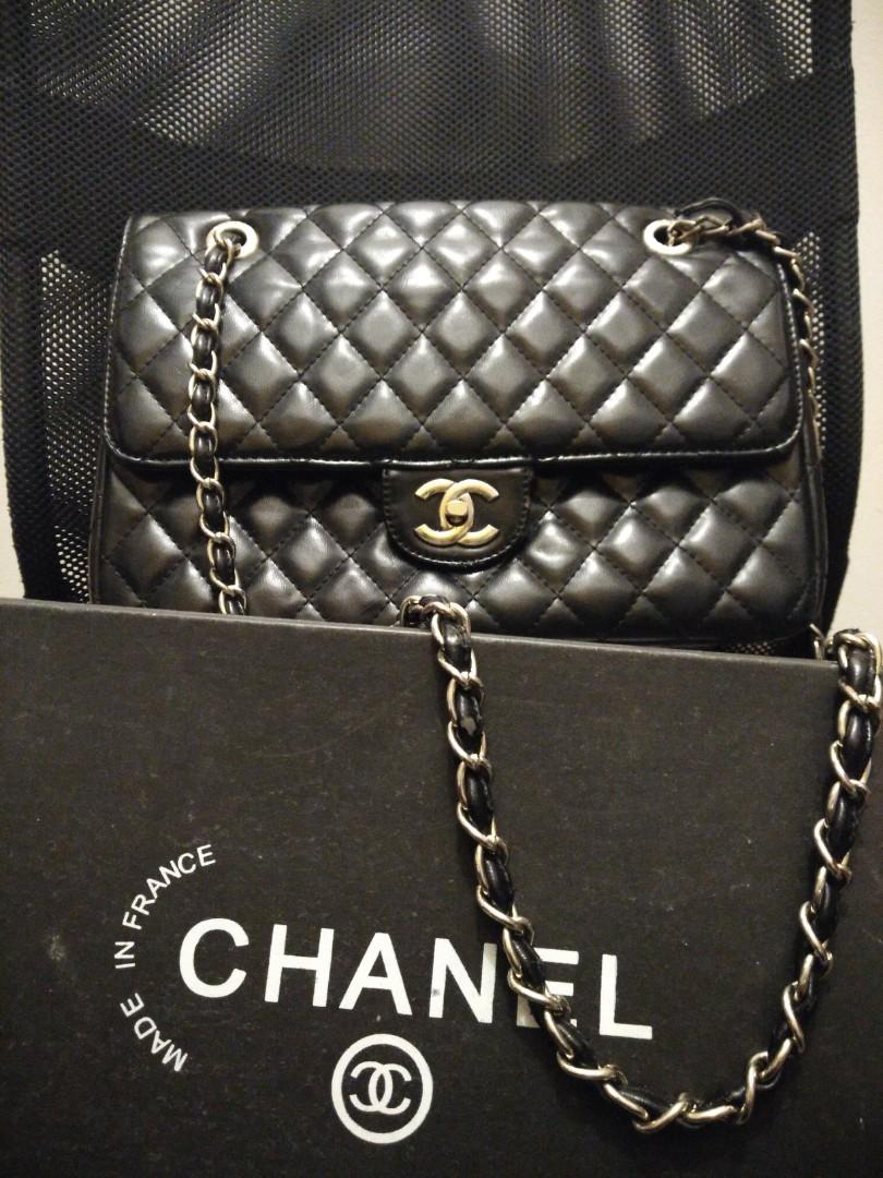 Classic Chanel Quilted Handbag