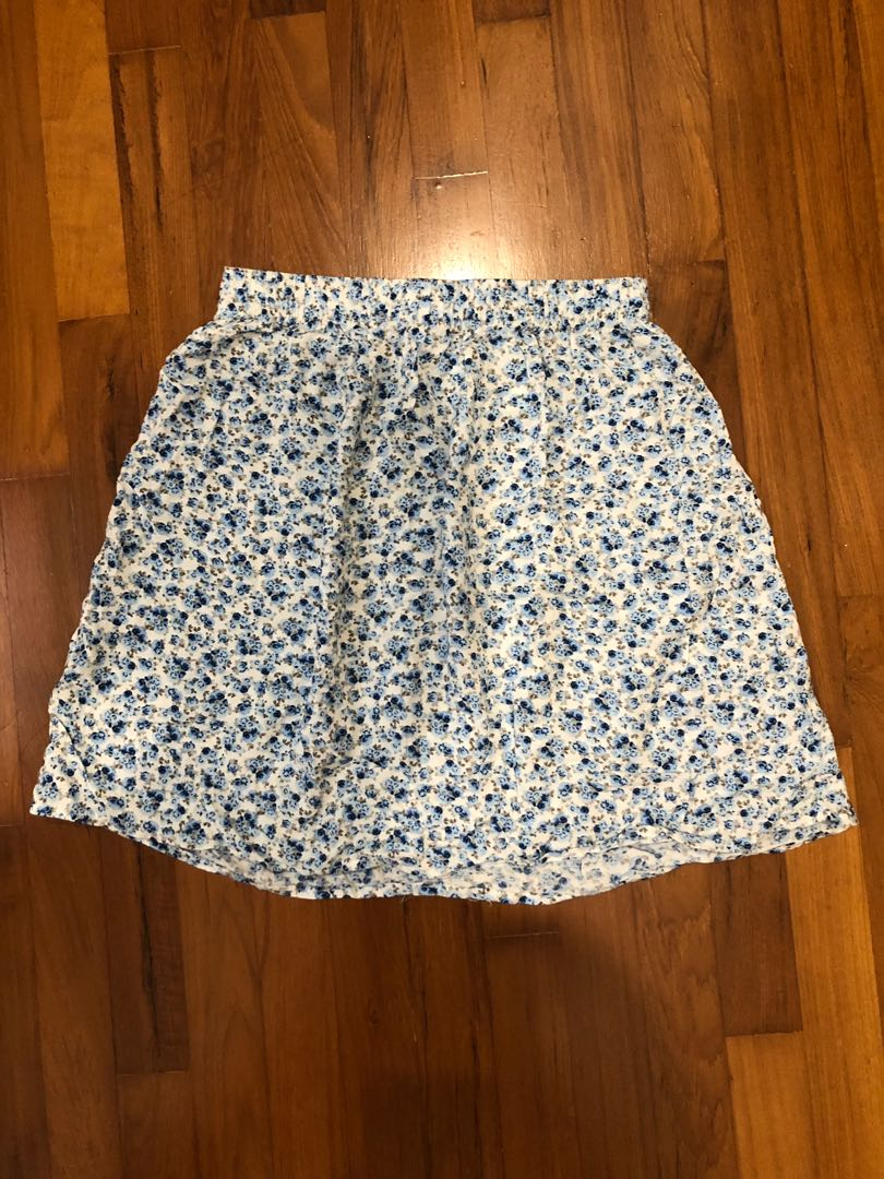 96ebd625c3 H&M floral skirt, Women's Fashion, Clothes, Dresses & Skirts on Carousell