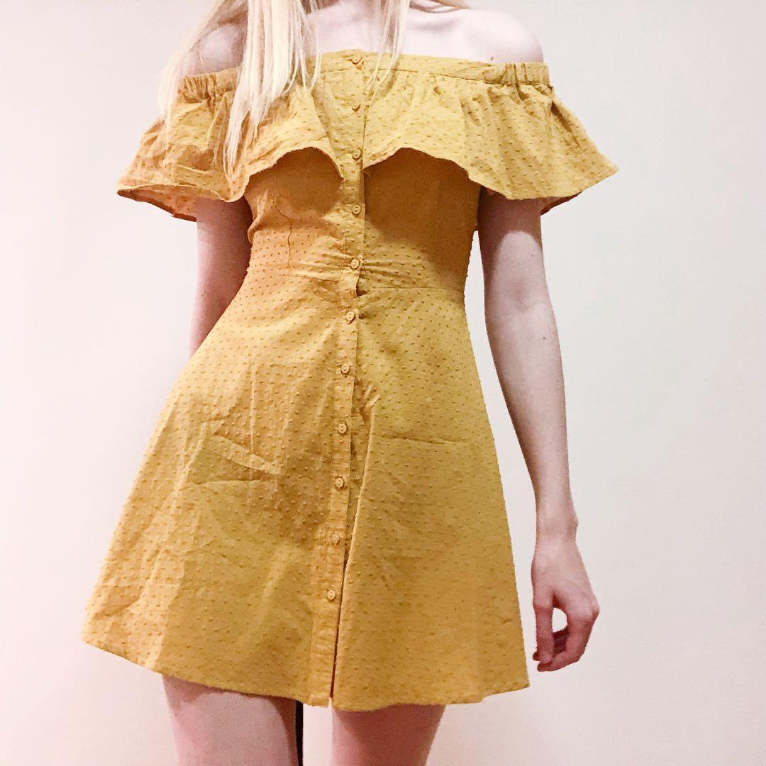 New off shoulder broderie dress