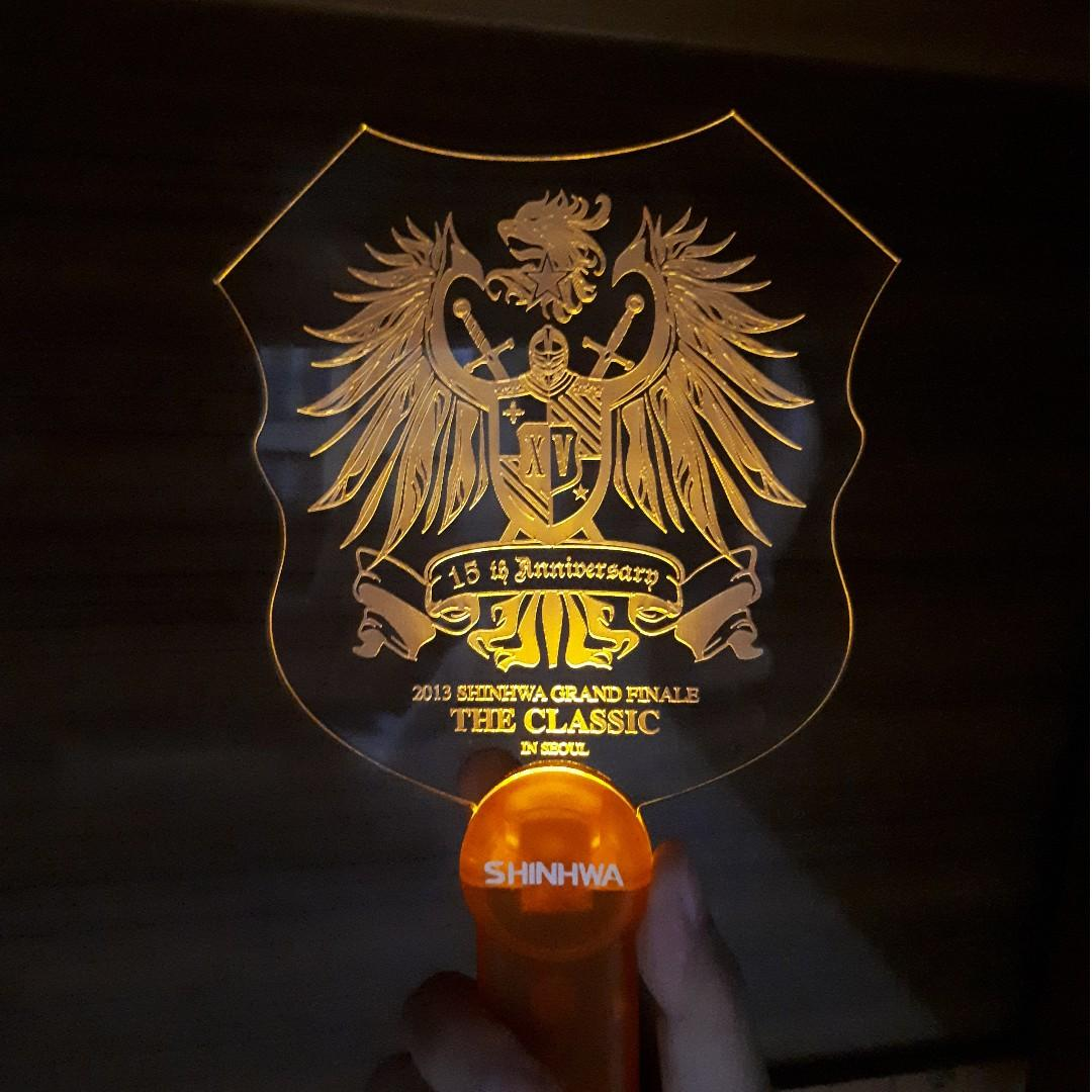 SHINHWA Grand Finale The Classic in Seoul Lightstick
