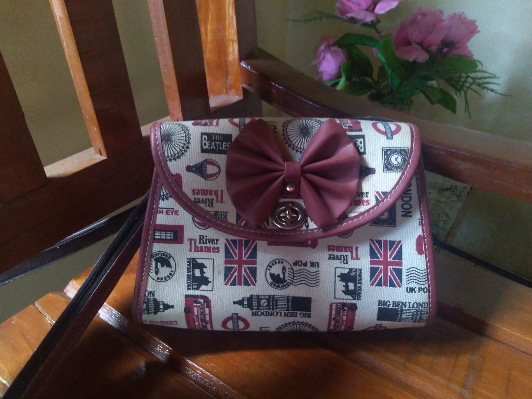 Simple Sling Bag with Ribbon