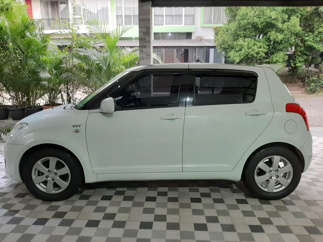 Suzuki Swift ST 1.5 Hatchback Matic 2011