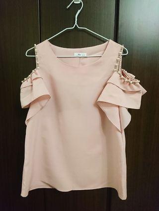 全新 正韓 粉色 露肩 釘珠 雙層波浪袖上衣