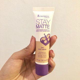 Rimmel Stay Matte Foundation shade soft beige