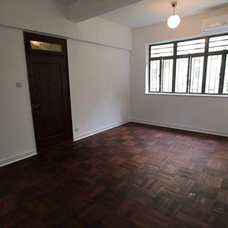 Newly renovated 2 bedroom  with 1.5 bath in Tai Hang Road