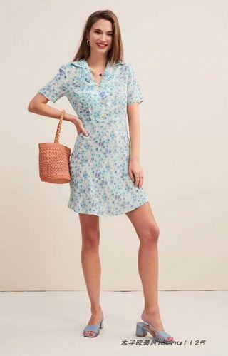 🚚 reformation inspired blue floral buttoned dress