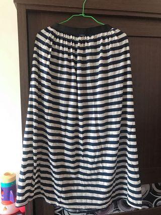 🚚 線條長裙