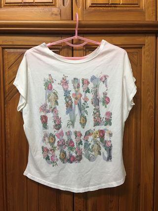 花卉圖案T恤