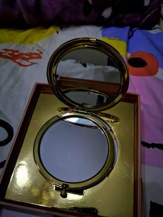 🚚 Compact Mirror Gold W Gift Box