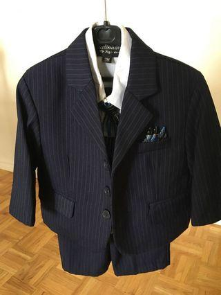 Infant 4pc suit with tie