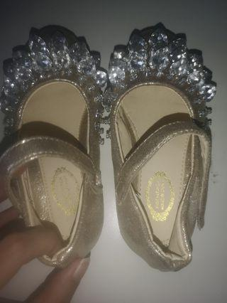🚚 Girl Gold Diamond Shoe