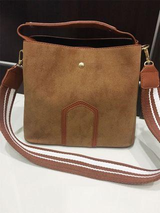 2 Types Sling Bag