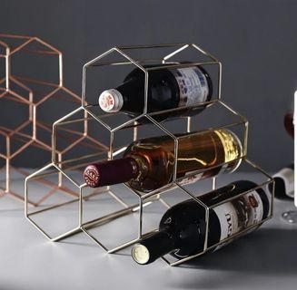 Hexagonal wine rack holder for 6 gold