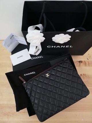 BN Chanel Black Caviar O case Clutch Bag