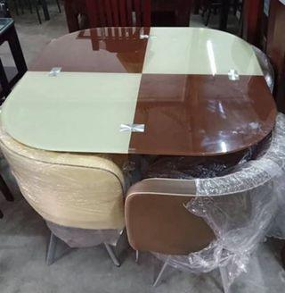 4 seater dining table 13,500