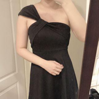 🚚 黑色單肩洋裝