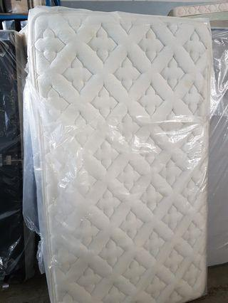 Super single pocket spring mattress