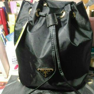 Prada化妝專櫃贈品 桃紅色&黑色 索繩手提包