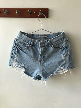 🚚 HollyHoque Ripped Denim Shorts