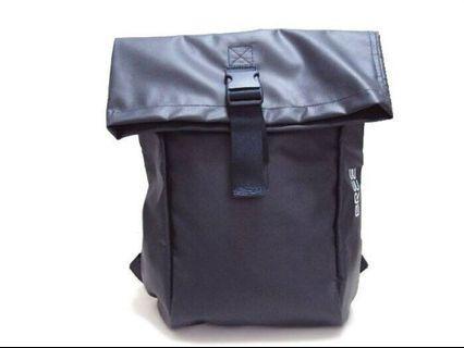 🚚 品項佳 🇩🇪 德國 BREE 黑色防水布後背包