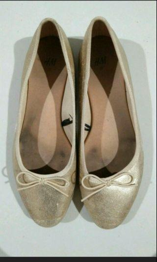H&M Gold Flat Shoes