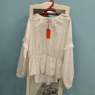 Nichii Embroidered Smocking Top size L