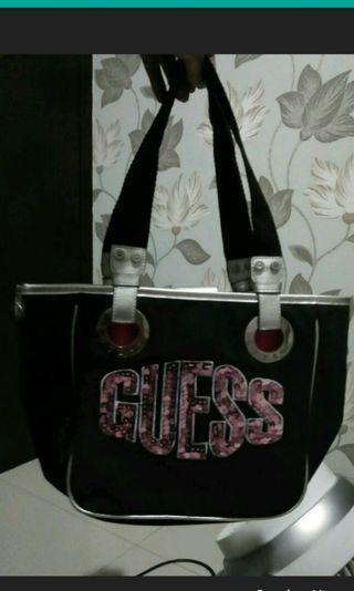 Guess Black shoulder bag