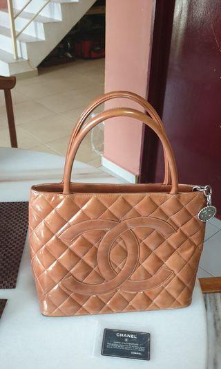Chanel Medallion Tote handbag (authentic)