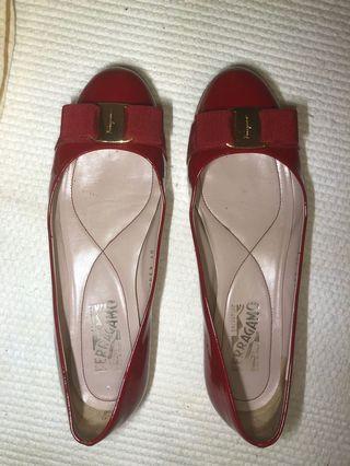Salvatore ferragamo Varina classic bow flats size 8 RED