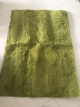 🚚 Green Carpet