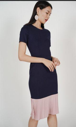 🚚 MDS two tone dress in Navy blue Blush pink hem
