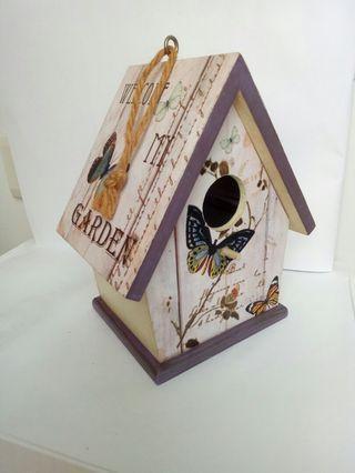 房屋造型鳥屋
