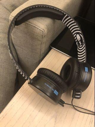 Sol republic 耳罩式耳機