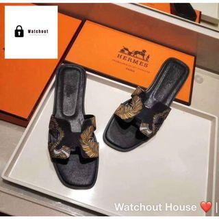 🚚 Platform Sandals