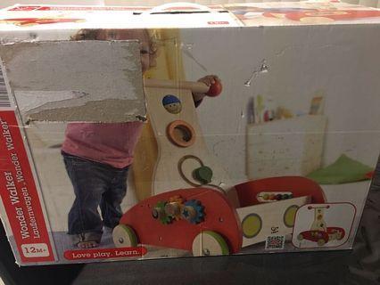 BNIB Hape Wonder Walker push & pull toddler walking toy