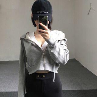 🚚 灰色短款棉外套