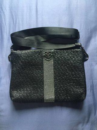 🚚 INSTOCK Korean Black Sling Bag