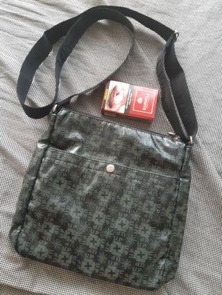 Up Renoma sling bag ori