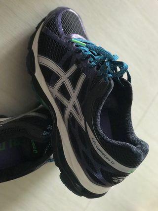 🚚 ASICS sports shoes