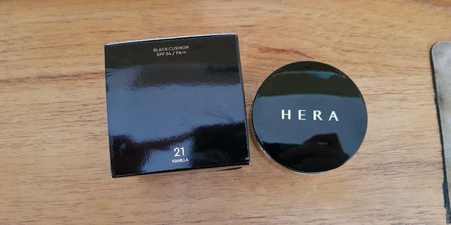 Hera Black Cushion Refill + case + box