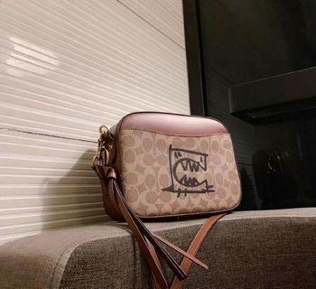 🚚 🎁Limited Ed Rex Coach Sling Bag